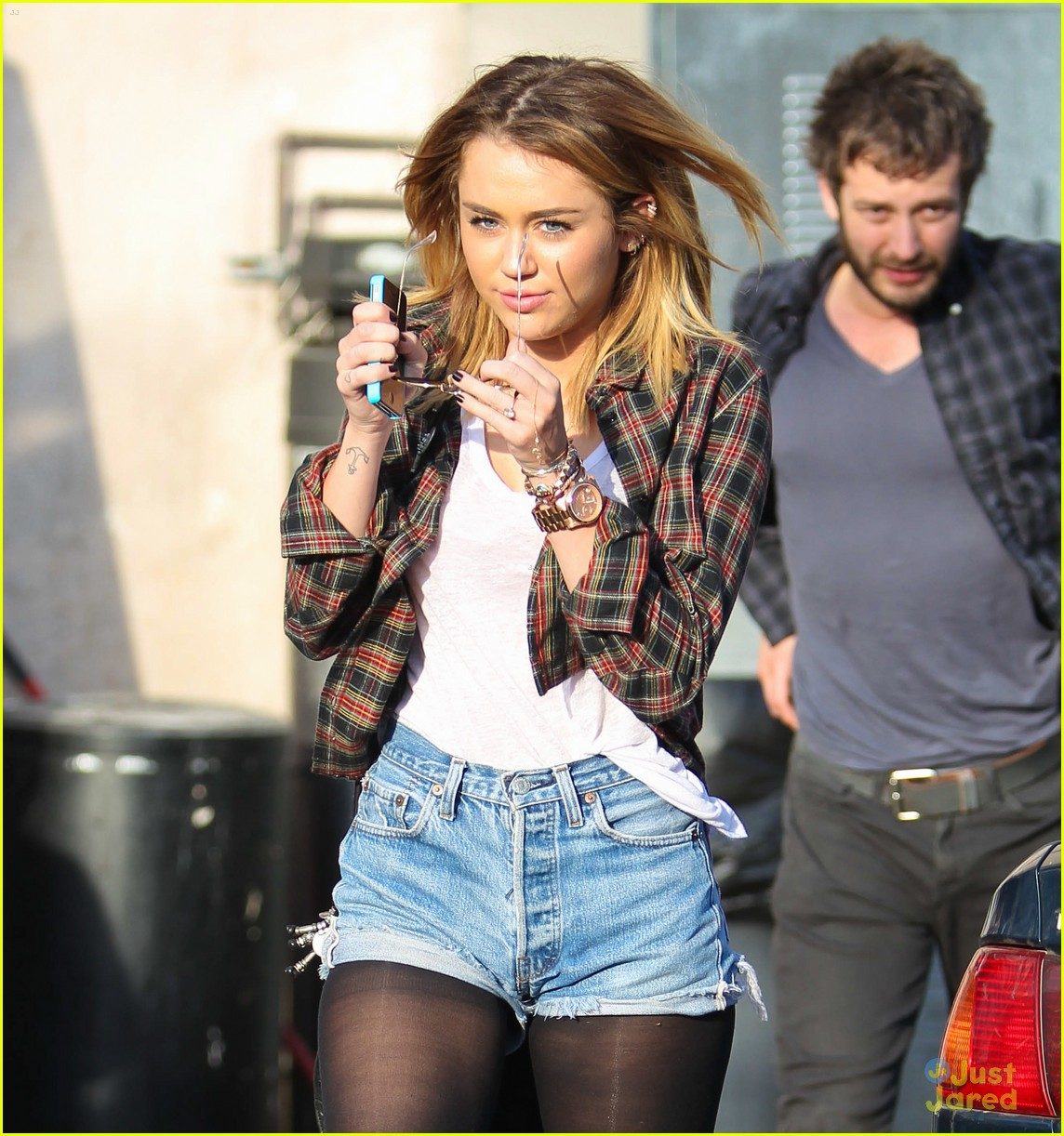 miley cyrus wakcano woman 05