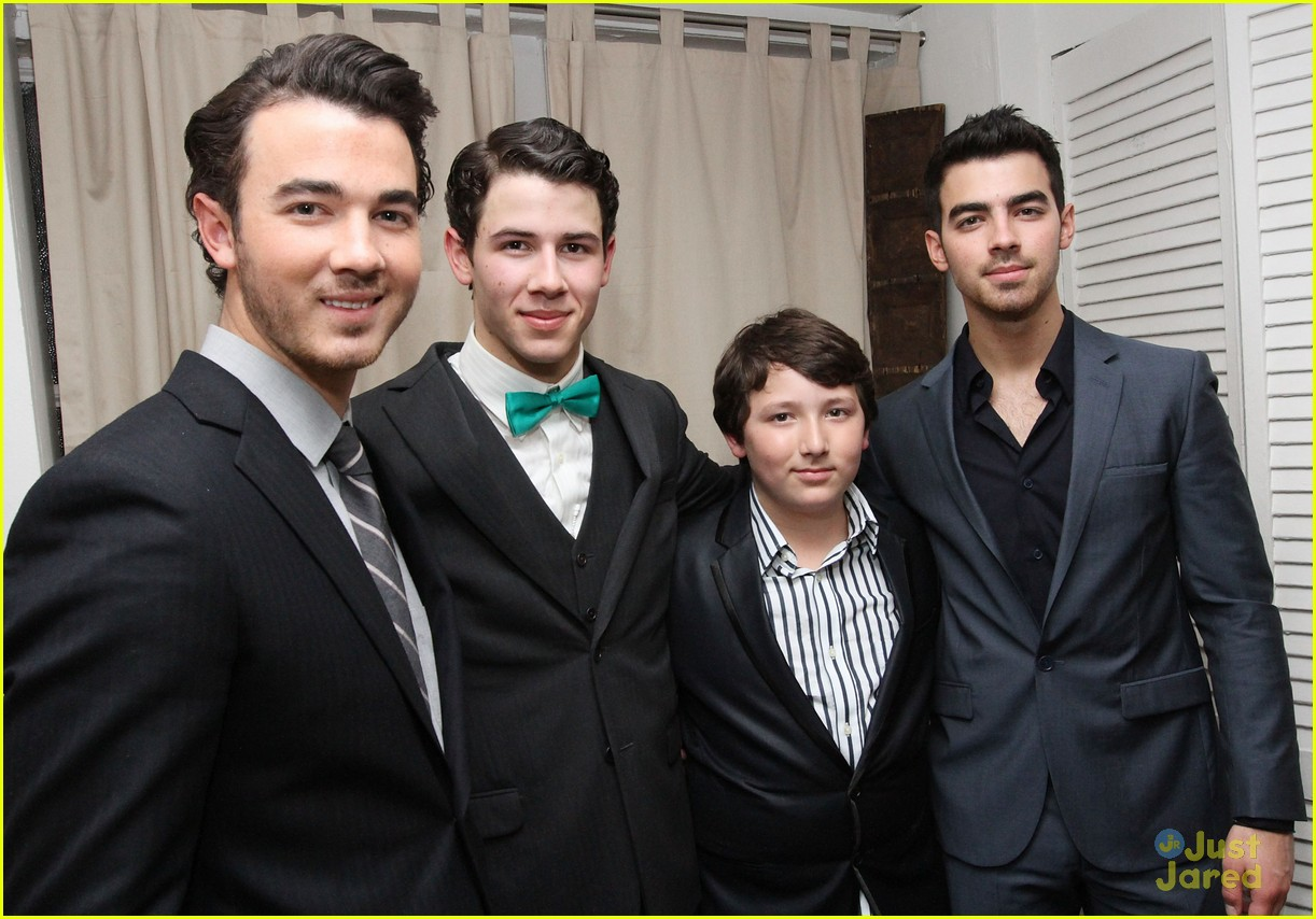 nick jonas hts debut joe kevin 06