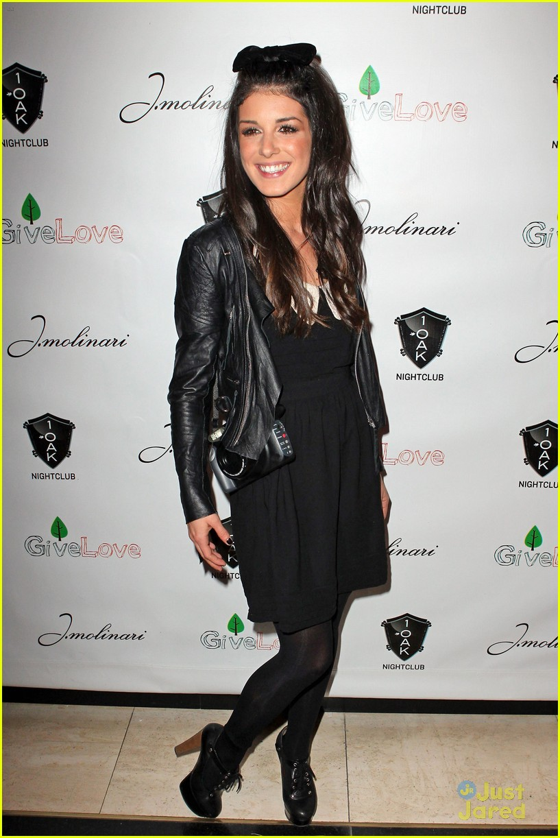 shenae grimes 1oak vegas 01