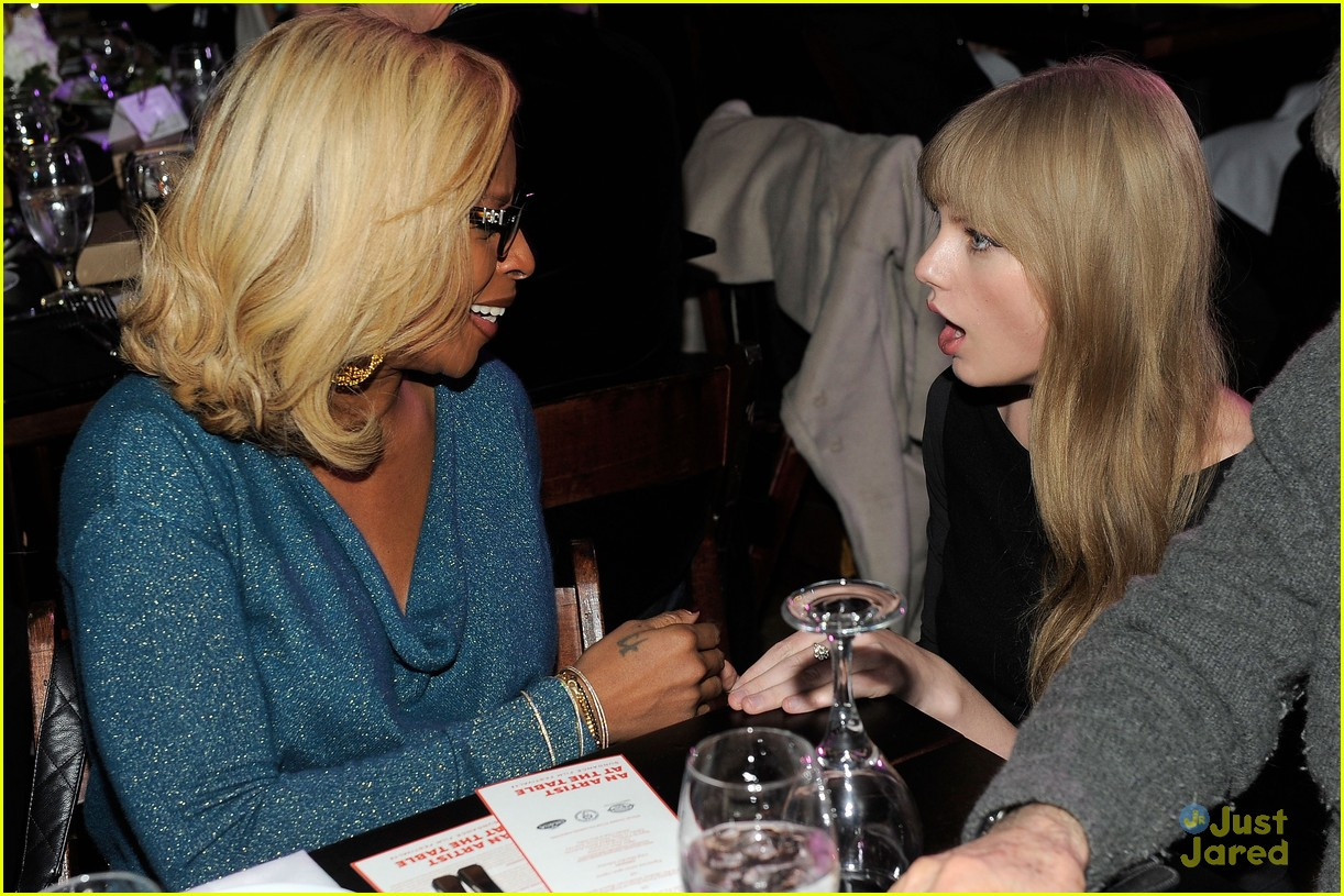 taylor swift sundance dinner 05