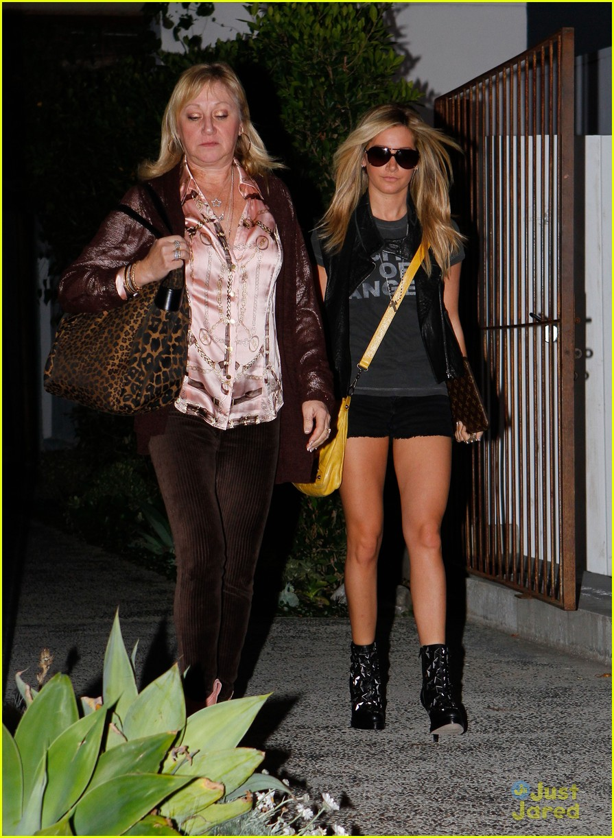 ashley tisdale lecompte salon 03