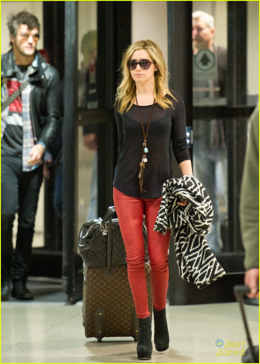 ashley tisdale martin lax arrival 07