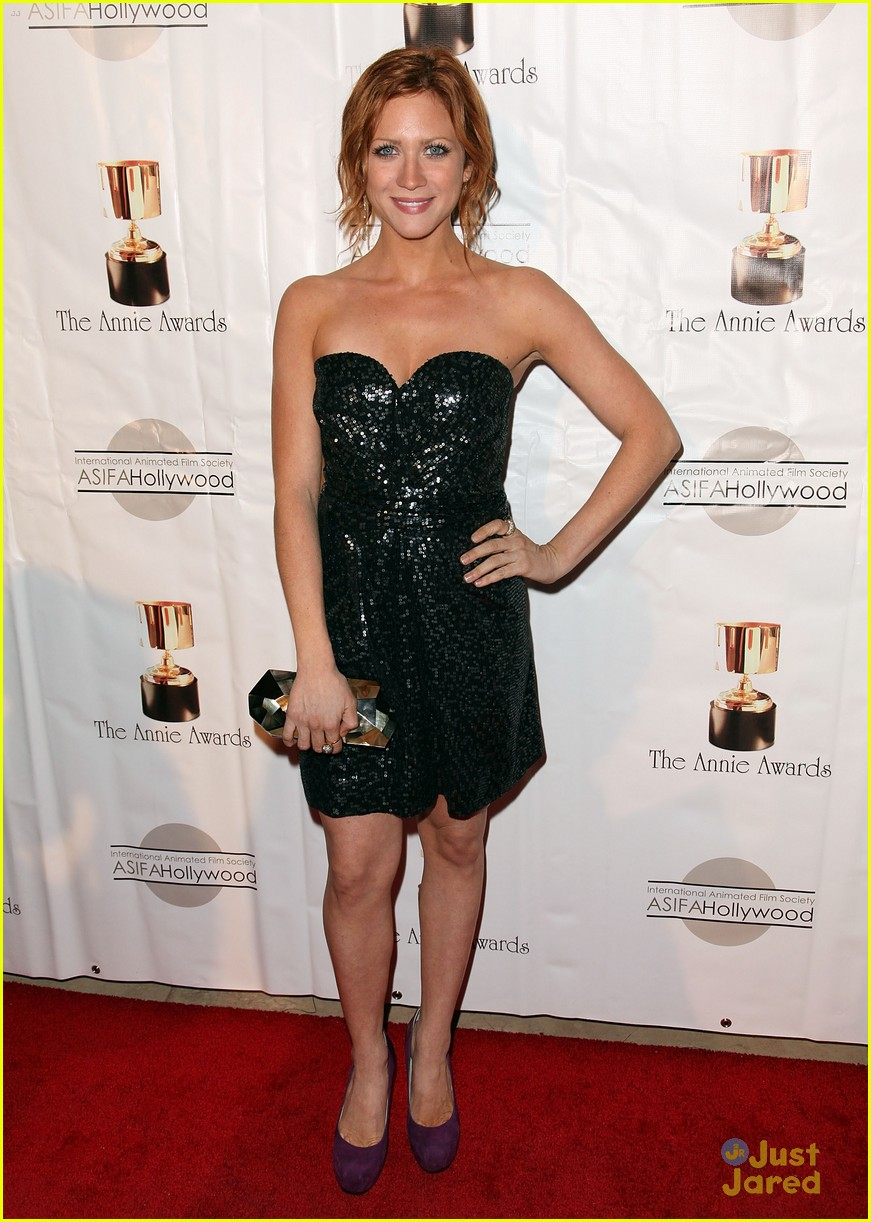 brittany snow ariel winter annie awards 03