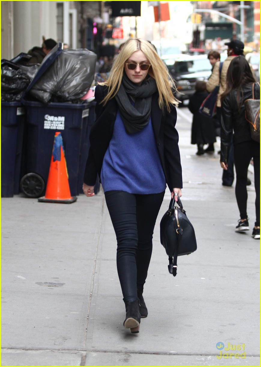 dakota fanning soho blue 05