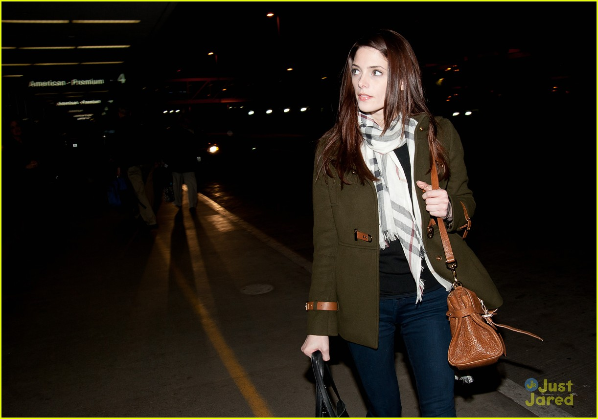 ashley greene leaves lax 05