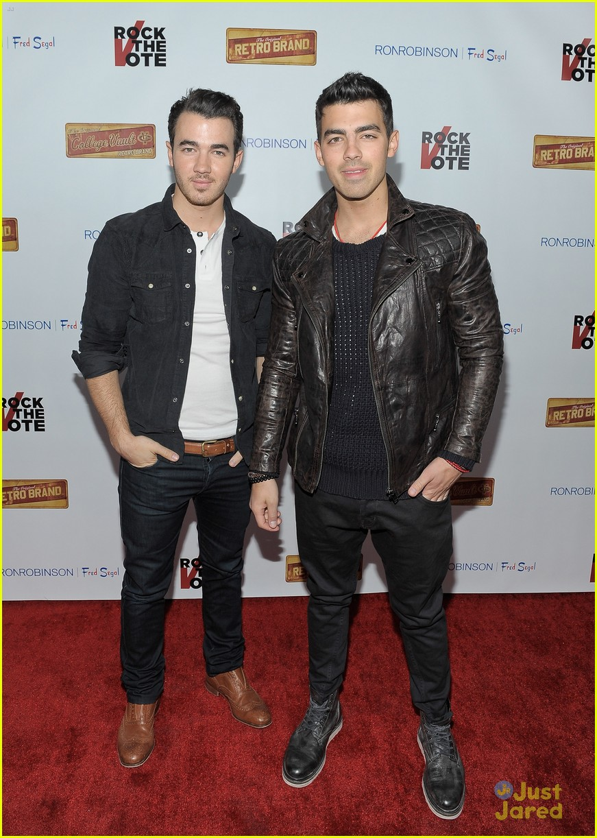 joe kevin jonas rock vote 01