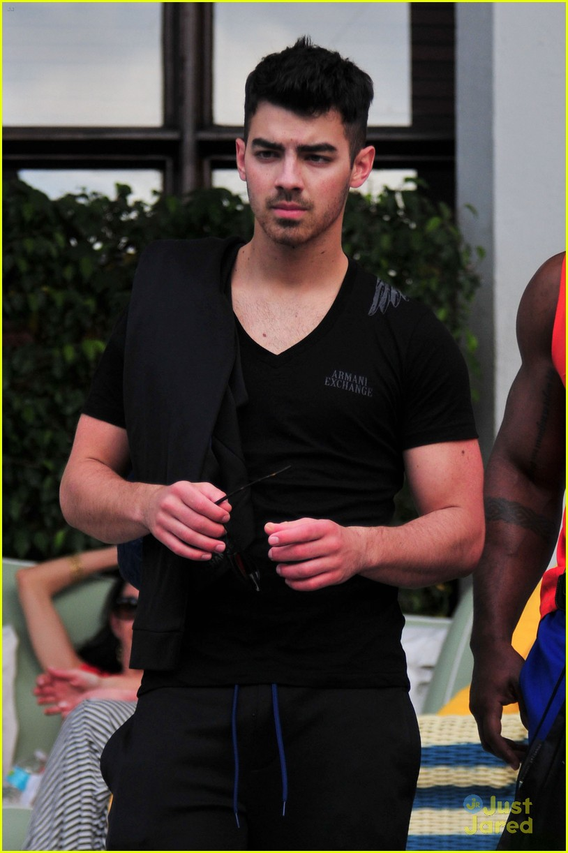 joe jonas more clothes miami 07