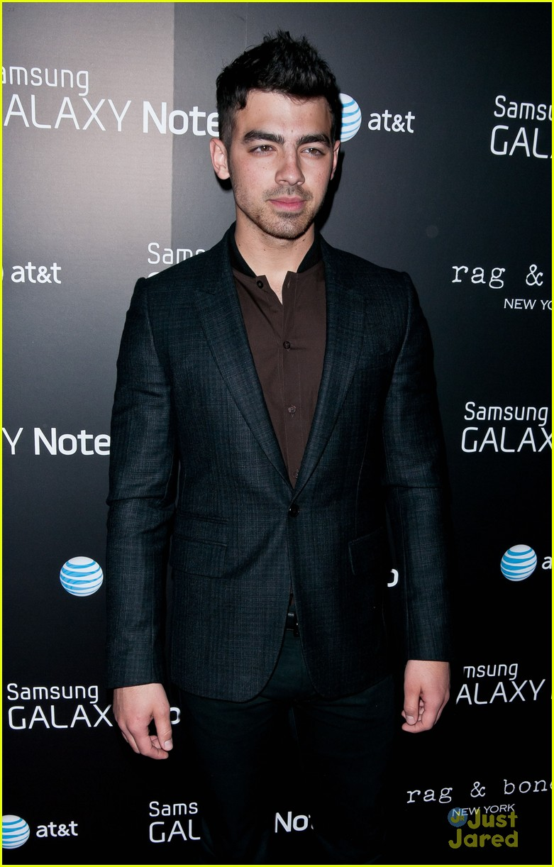 joe jonas samsung note 02