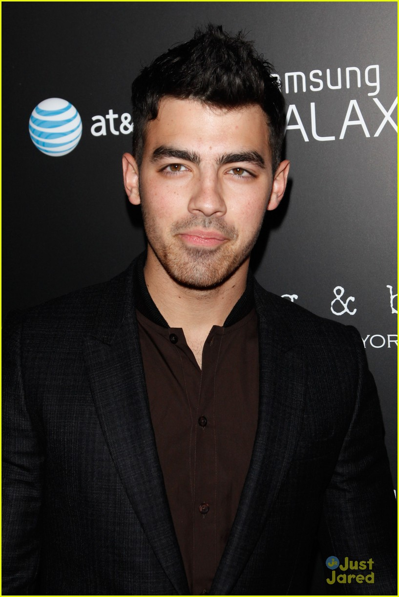 joe jonas samsung note 03