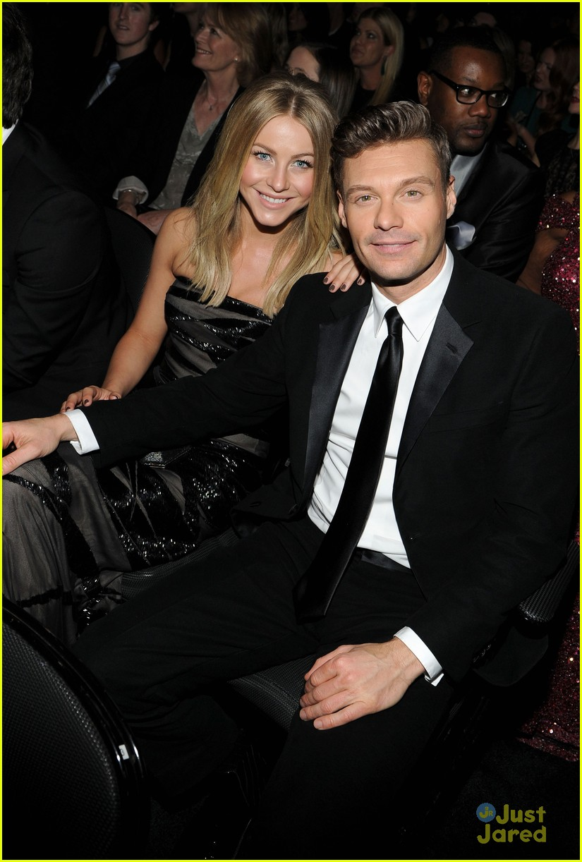 julianne hough 2012 grammys 04