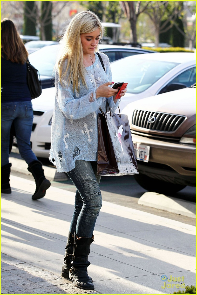 aly aj michalka book run 09