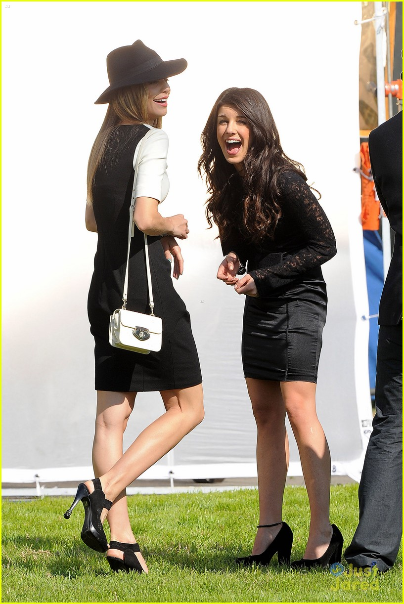 shenae grimes 90210 cemetary 10