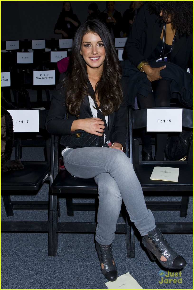 shenae grimes fashion week 19