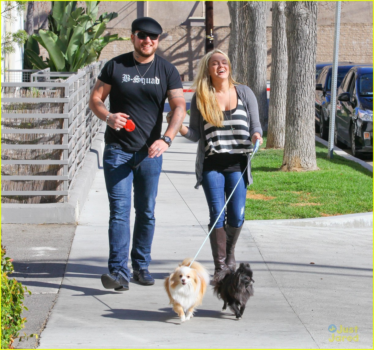 tiffany thornton chris walk dogs 03