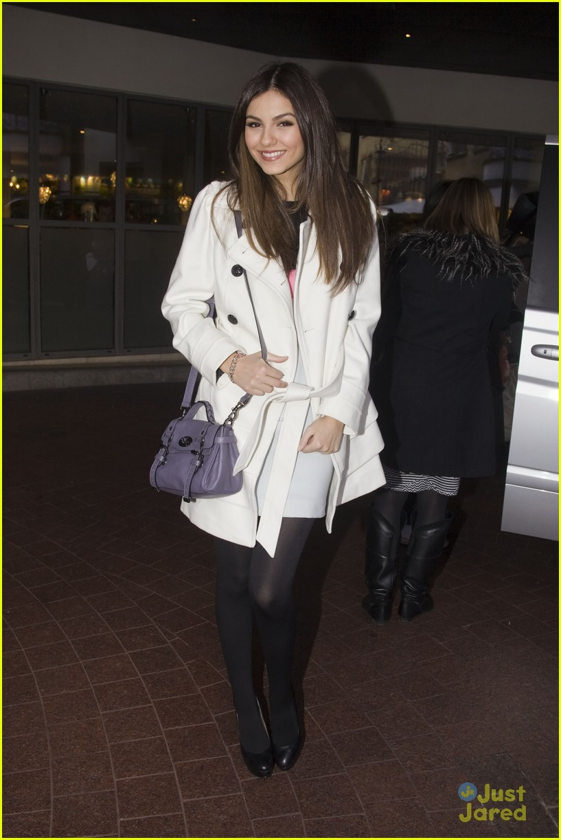victoria justice london mission 09