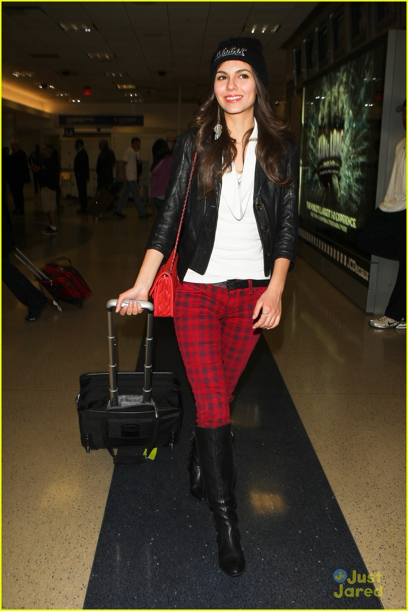 victoria justice red plaid pants 06
