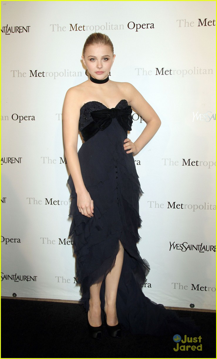 chloe moretz met opera gala 05