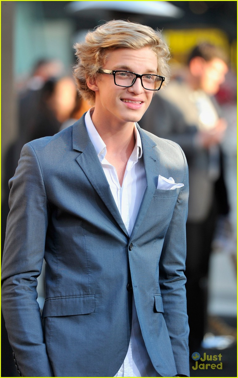 cody simpson thg premiere 14