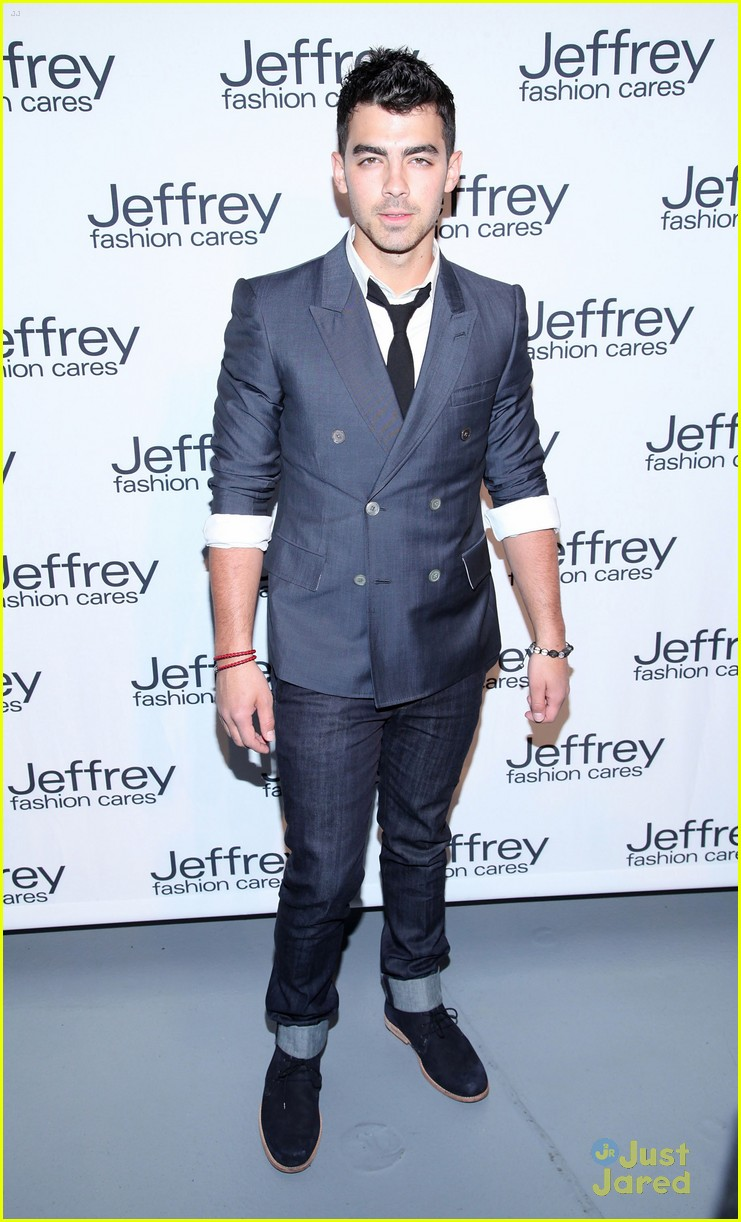 joe jonas shenae grimes jeffrey fashion 05
