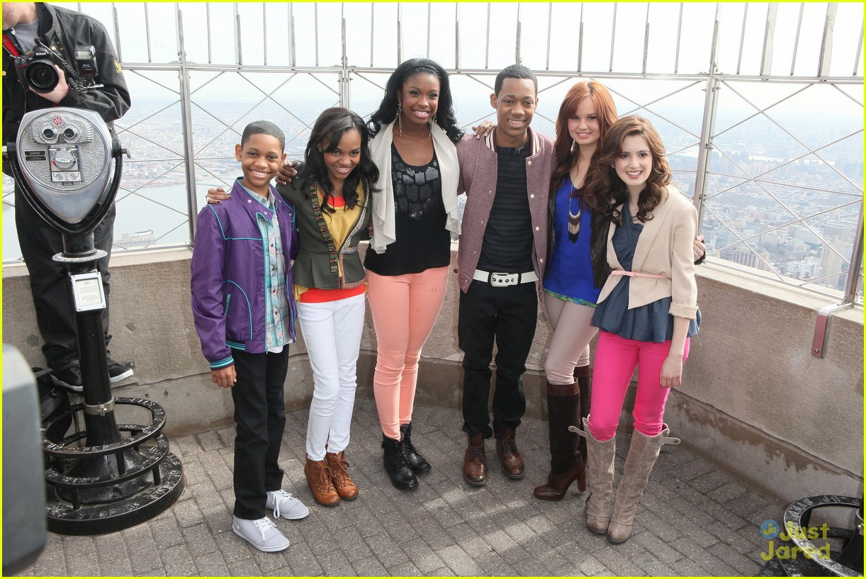 laura marano empire state 06