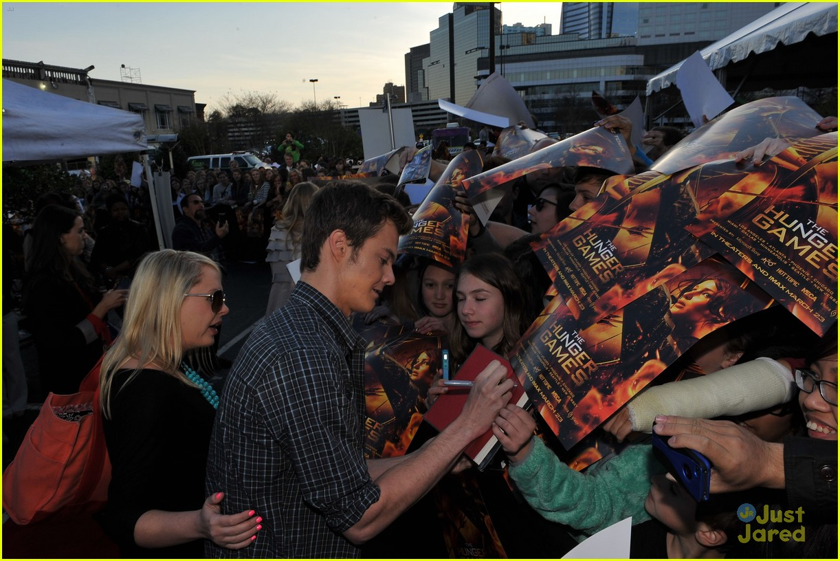 leven rambin jack quaid thg mall 10