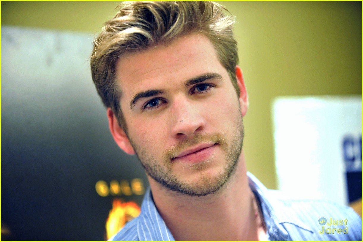 liam hemsworth aus thg 02