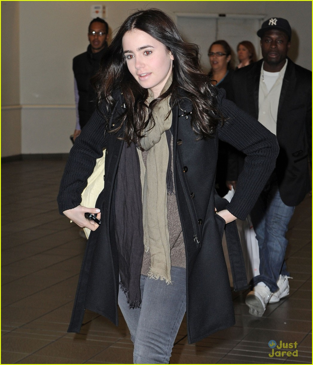 lily collins empire state building 10