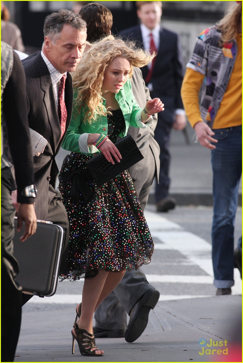 annasophia robb bump big apple 09