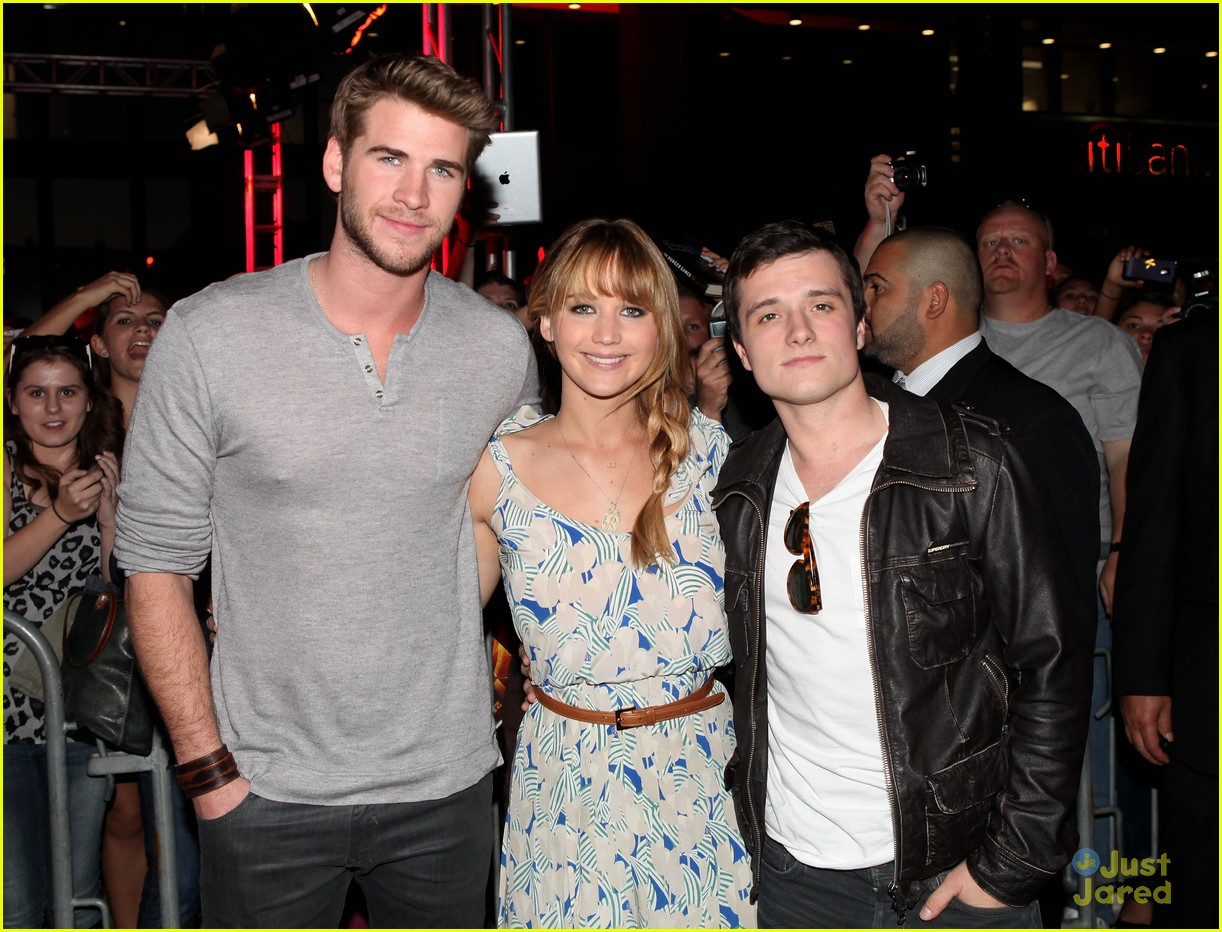 jennifer liam josh mall tour thg 02