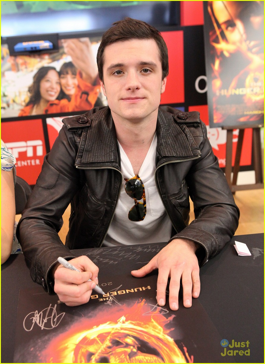 jennifer liam josh mall tour thg 13