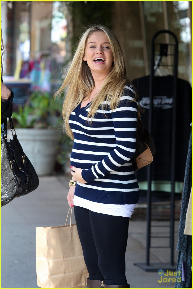 tiffany thornton baby bump 05