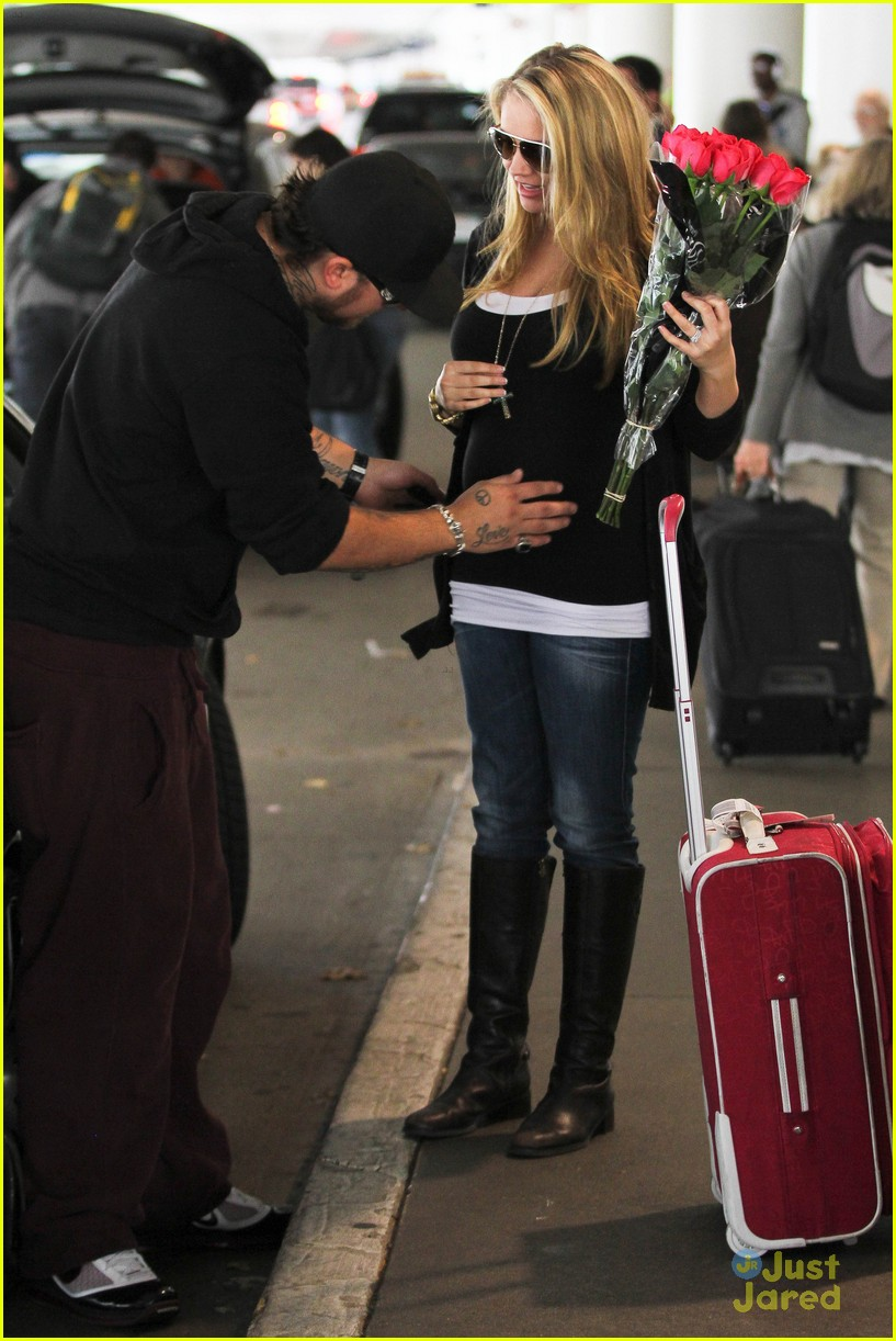tiffany thornton baby kiss chris 08