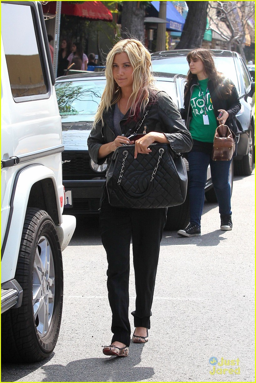 ashley tisdale lunch mikayla 01