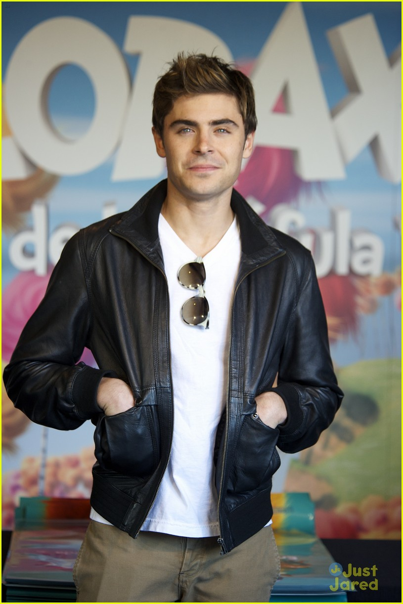 zac efron rome fan meet 04