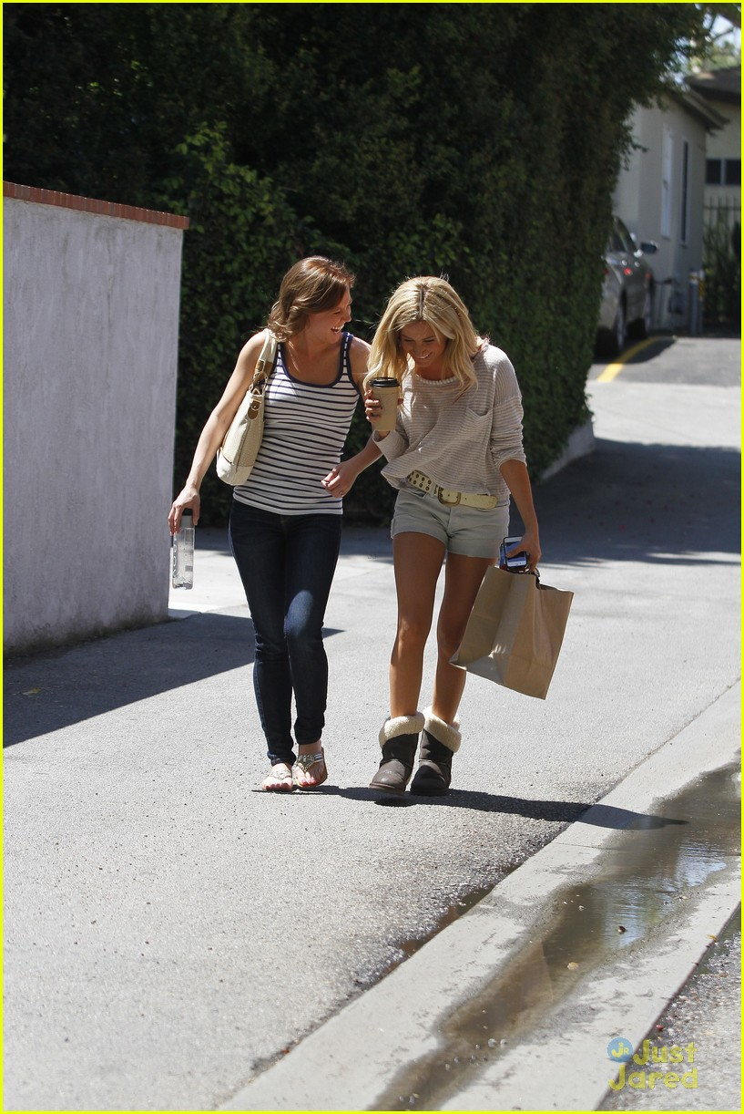 ashley tisdale patti murin giggles 03