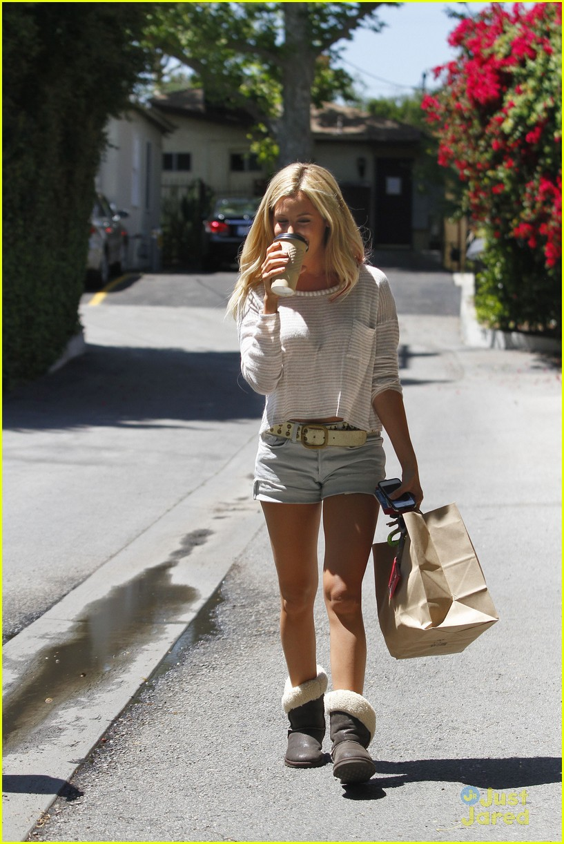 ashley tisdale patti murin giggles 15