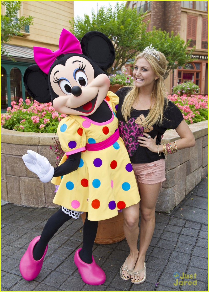 cassie scerbo bday wdw 01