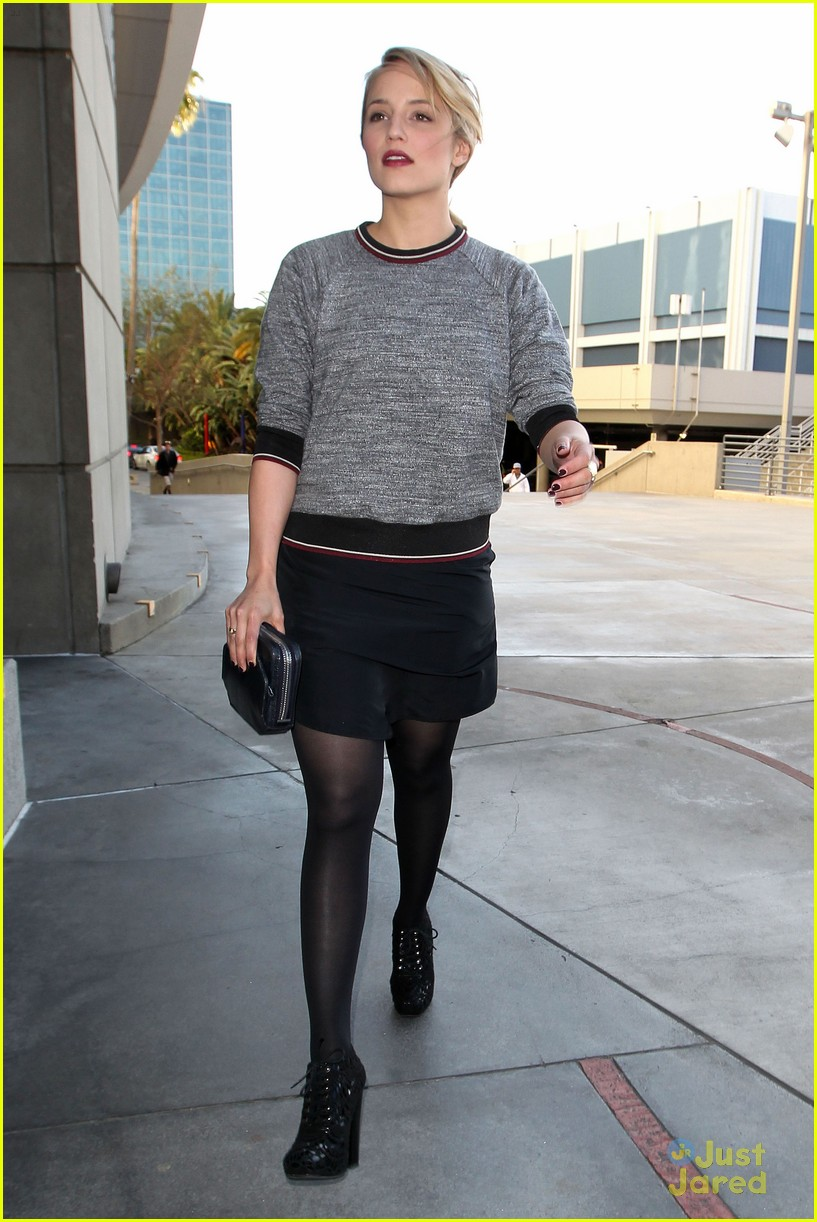dianna agron lakers game 01