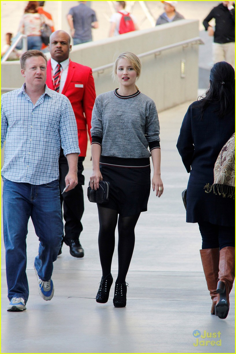 dianna agron lakers game 04