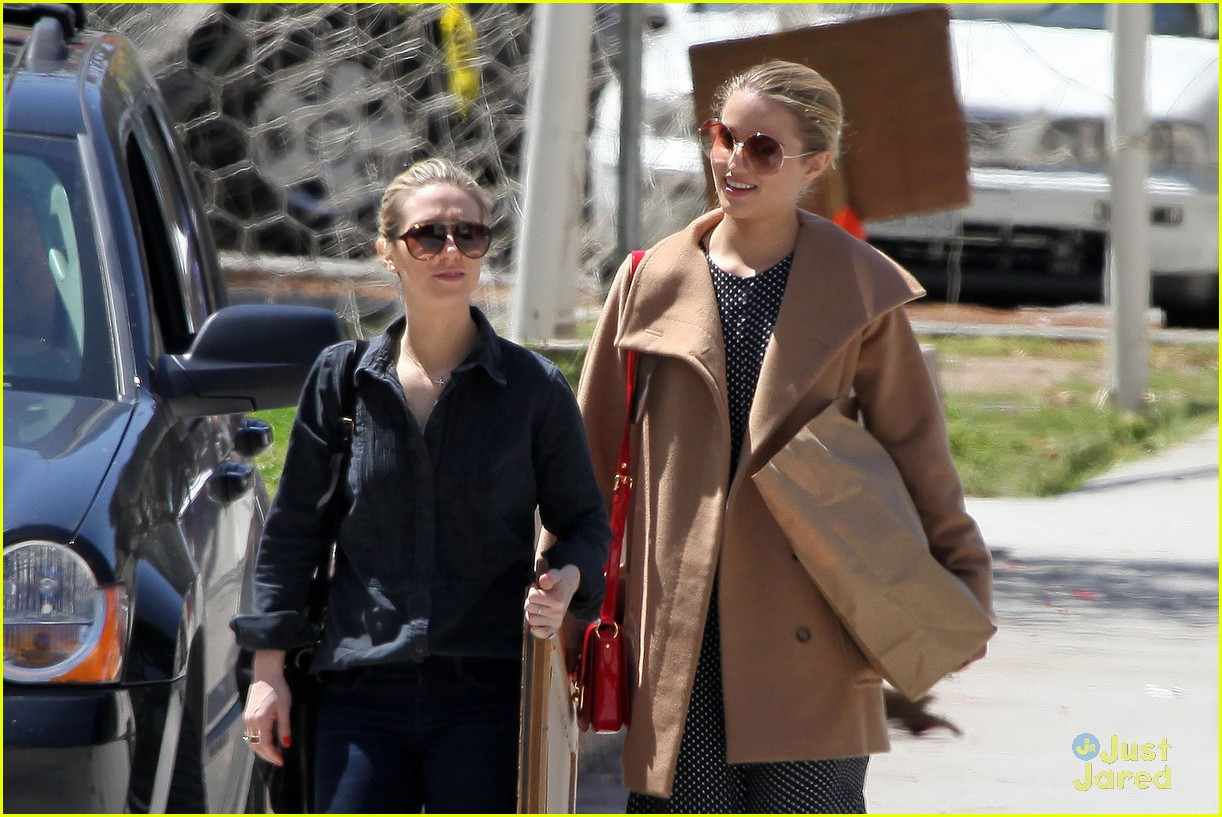 dianna agron flea market 12