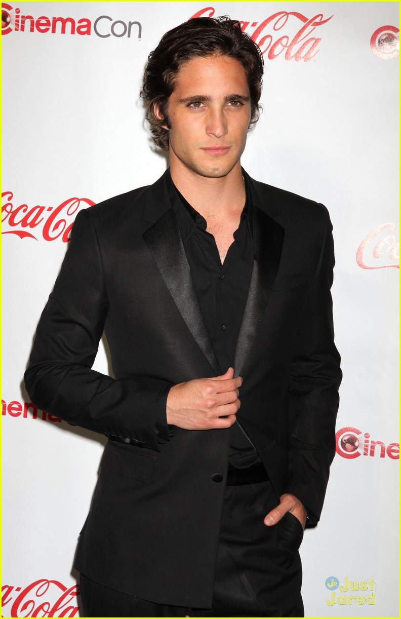 diego boneta cinemacon rising star 07