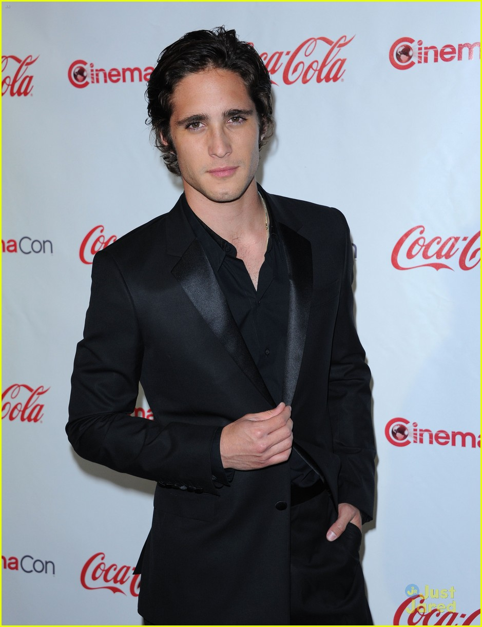 diego boneta cinemacon rising star 12
