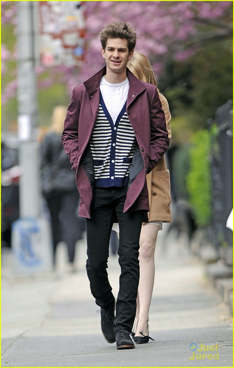 emma stone andrew garfield walk nyc 03