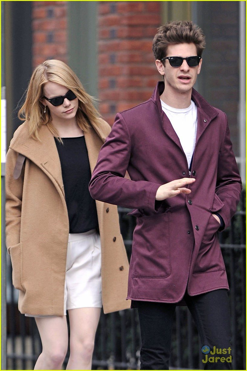 emma stone andrew garfield walk nyc 07