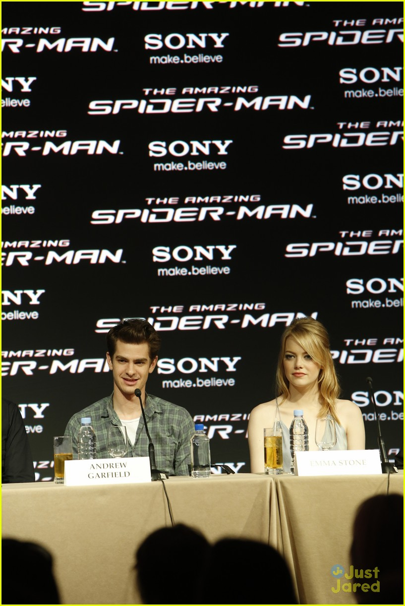 emma stone andrew garfield spiderman poster mexico 01