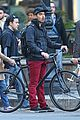 Jonas-bicycle joe jonas bicycle big apple 03