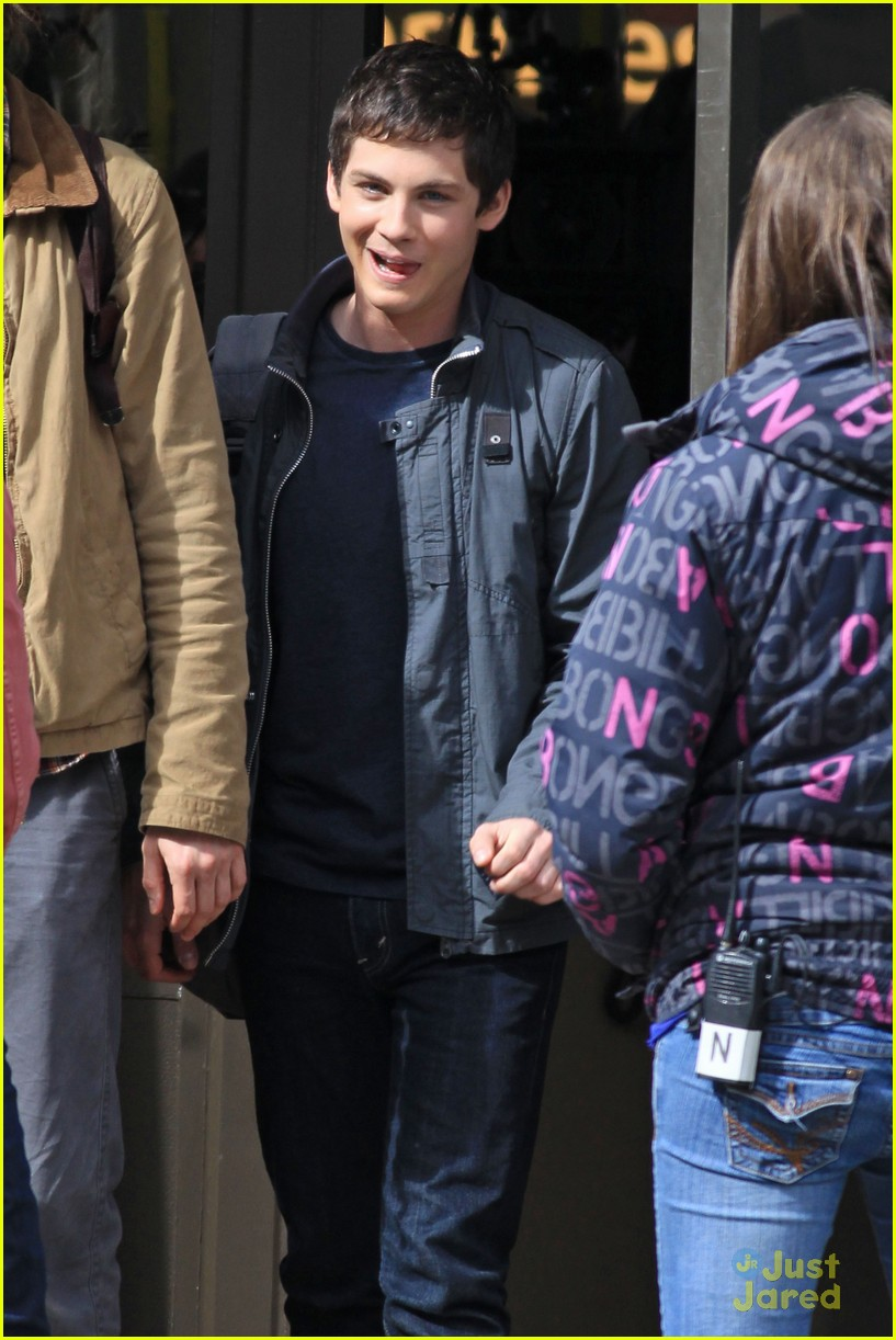 logan lerman vancouver nathan 09