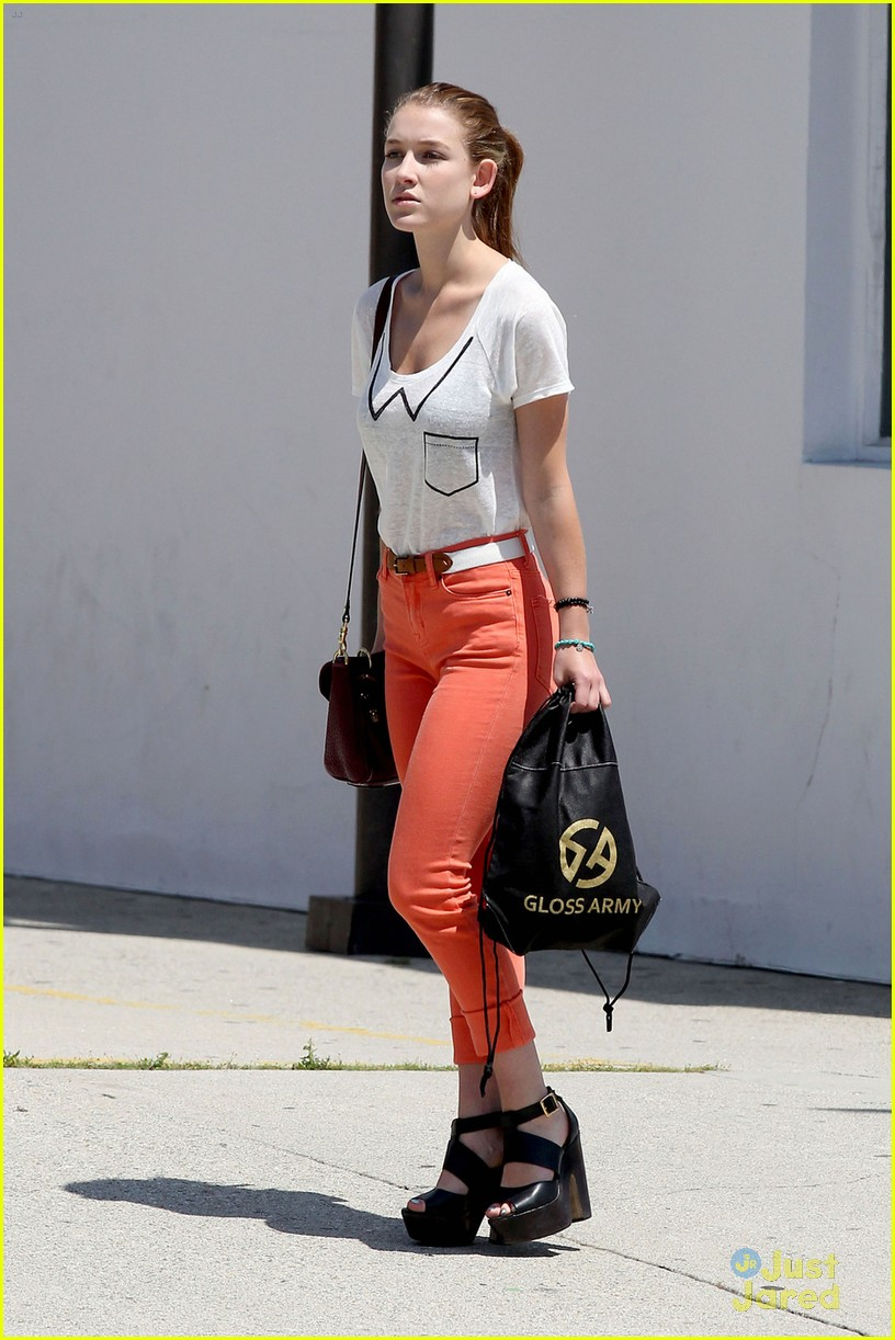 nathalia ramos orange pants 02
