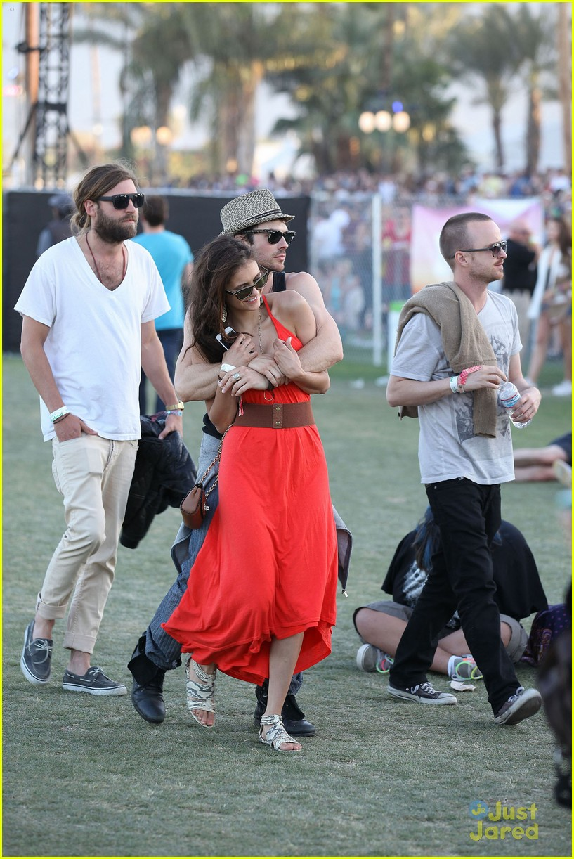 nina dobrev ian somerhalder red dress 03