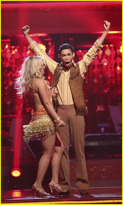 roshon fegan dwts week 3 01